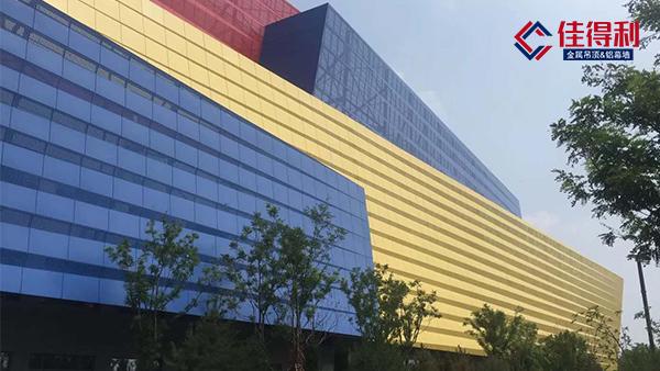 市面上的氟碳铝单板幕墙都有哪些优良性能?