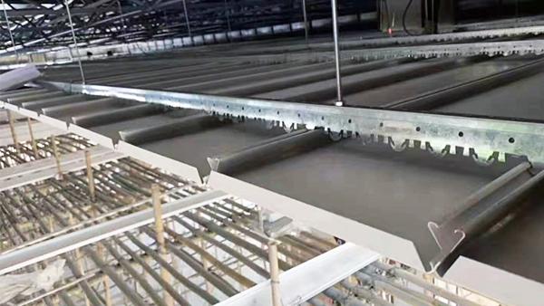 长条铝条扣板吊顶安装方法
