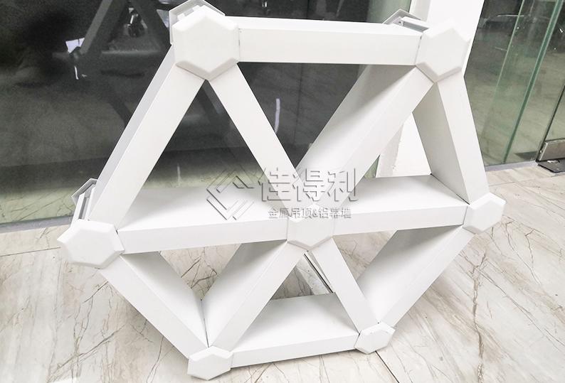 铝格栅吊顶60