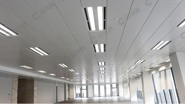 5A办公写字楼吸音吊顶选长条形高边铝扣板吊顶